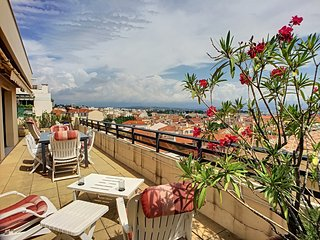 VIEIL ANTIBES VISTA AP3093 by RIVIERA HOLIDAY HOME