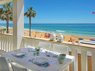 Casa Pe na Areia- The perfect location- beach front villa