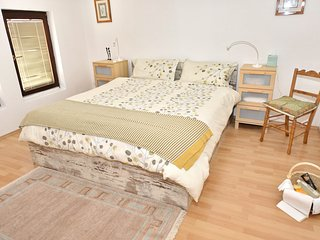 2 bedroom apartment, fully self-catering in the centre of the Old Town