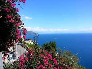 Amalfi Grace House. Pretty holiday home in Amalfi Coast. Amazing sea view