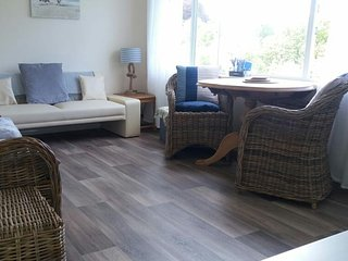 Devon Bay Cottage - dog and kid friendly holiday chalet for 4/5 in stunning spot