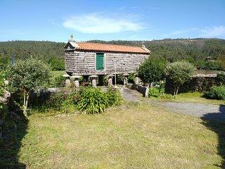 Una casa de piedra en Vimianzo cerca de playas y servicios