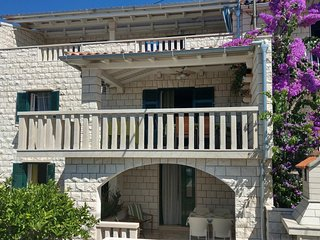 Two bedroom apartment Bol, Brač (A-13121-a)