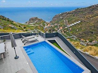 Villa Golden Charm