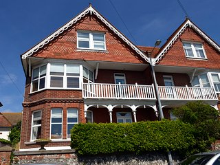 Seahorse Villa - spacious holiday home close to Seaford beach and town
