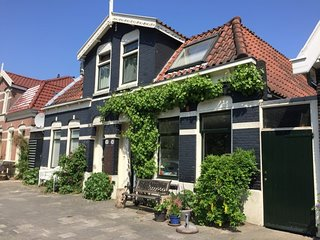 Charming en comfortable house with big sunny terrace in Amsterdam