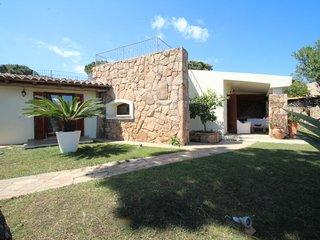 4 bedroom Villa with Pool, Air Con and Walk to Beach & Shops - 5696591