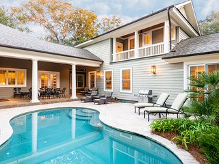 Premier, Luxury 5 BR Home with Private Heated Pool, Near Beach