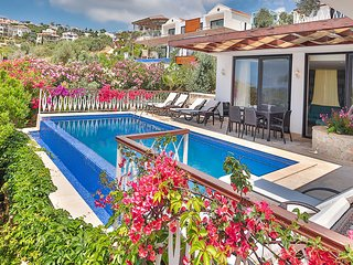 Villa Mermaid Duo enjoys the advantages of a prime location in Kalkan