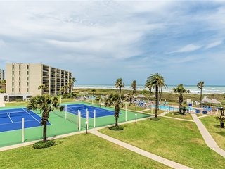 Saida 4301: BEACHFRONT RESORT condo in a GATED complex w/ great VIEWS & 3 POOLS!