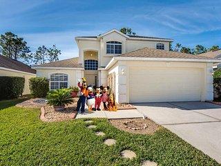 Disney Area Family Villa, Orlando - Golf Course Views (Sleeps 10)