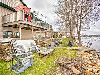 Spacious House w/Deck & Yard on Lake Francis!