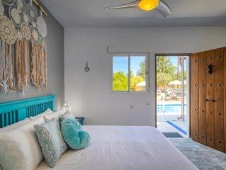 Poolside Room 2 - The Palms Boutique Resort Málaga