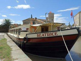 Hotel Barge Beatrice cruises canal du midi