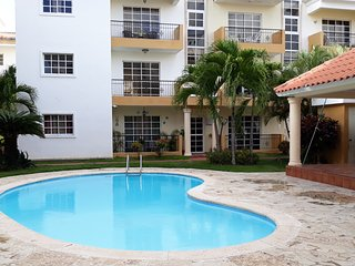 1br 6 miles to Beaches Airport w Parkingwifi Hot Water
