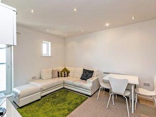 Residential Estates - One bed Apartment Saddlery sleeps 4