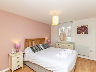 Residential Estates - Two bed Apartment Saddlery Way sleeps 4