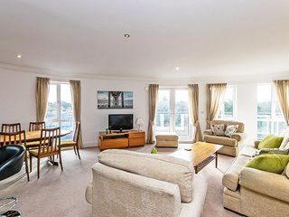 Residential Estates - Penthouse apt Saddlery Way sleeps 6