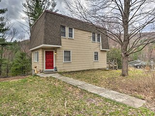 Mid-Century Catskill Home w/ View, By Trails!