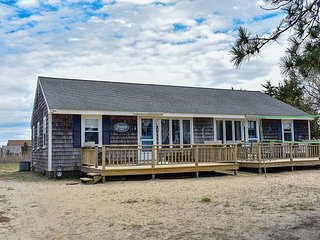 Three bedroom duplex less than 500 ft to the shared/private beach
