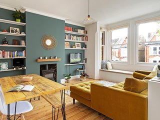 Victorian, Bright 2 Bed House near Brixton