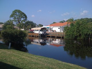 WATERFRONT-GULF ACCESS-DOCK-RIVERFRONT RIVERBEND BOATING COMMUNITY JUST OFF I-75