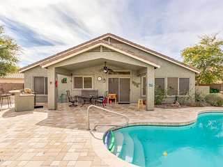 FABULOUS 3 Bedroom 2 bath Mesa Oasis!