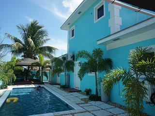 Pineapple villa W/Pool