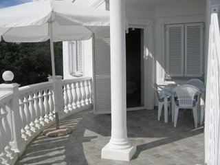 Barbat Apartment Sleeps 4 with Air Con - 5793309