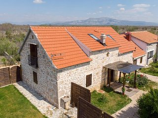 Four bedroom house Bogatic (Krka) (K-17168)