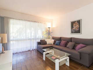 Beautiful apartment reformed 7 pax to 100 mts. from the main beach of Salou.
