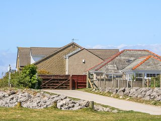 SHOREFIELDS ONE, open-plan, WiFi, near Heysham