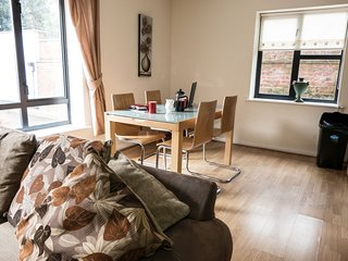 Melton Court Apartment 18 - Melton Court Apartment 18