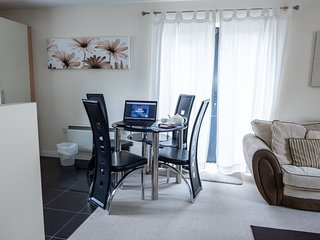 Melton Court Apartment 3 - Melton Court Apartment 3