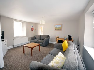 Apartment 12 Trinity Mews - Perfect location for 2 bed 2 bath ground floor apart