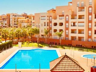 Lujoso apartamento en urbanización con piscina - B15