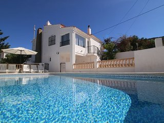 5 bedroom Villa with Air Con, WiFi and Walk to Beach & Shops - 5792162