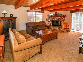 ~Sweet Dreams~Modern Sugarloaf Log Cabin~Minutes To All Activities~