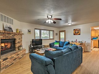 Flagstaff Condo w/Deck-Walk to Lake&6 Miles to DT