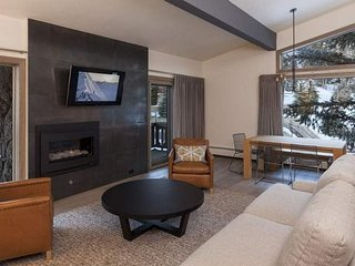 Riva Ridge South #740 ~ Vail Village, 22-person rock Hot Tub!