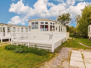 Great place to enjoy dog friendly holidays in Norfolk ref 10132B