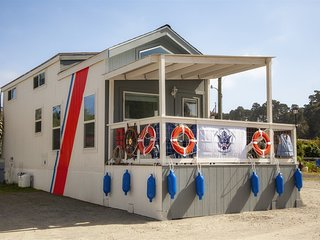 Cochito - a US Coast Guard themed tiny home in the heart of the historic Noyo ha