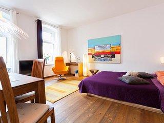 Westhafen Studio Apartment