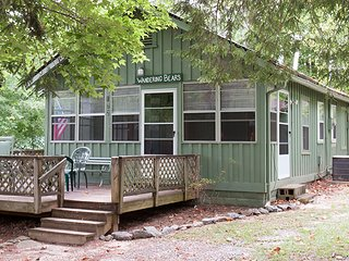 Wandering Bear Cabin at Pine Gables Cabins