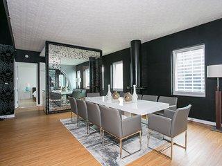 4 Bed Luxury Top Floor PENTHOUSE - 3100 Sqft