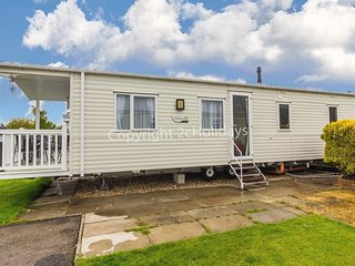 6 berth caravan for hire with decking Southview Holiday park Skegness ref 33005