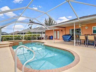 Lovely SE Cape Coral Private, Heated Pool & Spa Home, Privacy Fenced Yard, Free