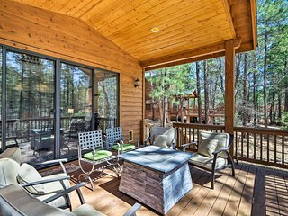 NEW! Show Low Cabin w/ Spacious Deck & Fire Pit!