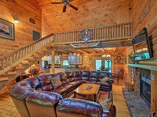 Cozy Trenton Cabin w/ Spa ~15 Mi to Lookout Mtn!