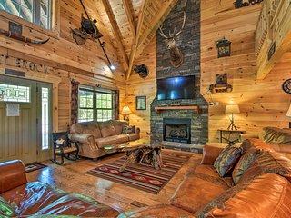 Trenton Cabin w/Hot Tub- 14 Mi to Lookout Mtn